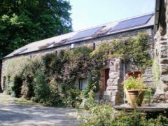 Longbow Barns self catering accommodation with two apartments. Dartmouth, Devon.  - Devon